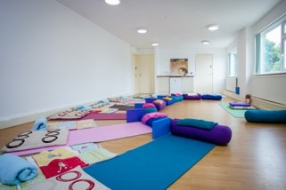 room-of-yoga-mats